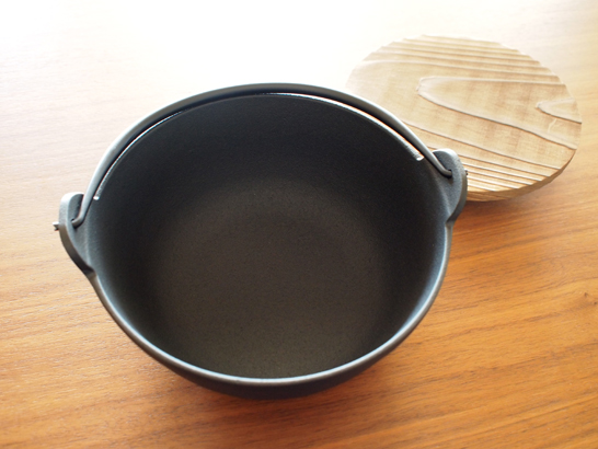 南部鉄器 丸鍋6寸/南部盛栄堂・及源鋳造株式会社