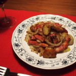 ジャガイモ炒めやサラダを赤ワインに合う簡単おつまみに一工夫
