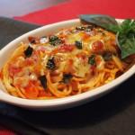 焼きパスタを余った材料で!トマトとチーズで作る簡単リメイク