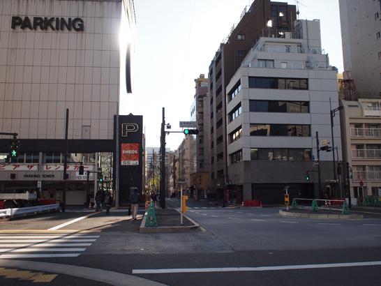 新橋柳通り口