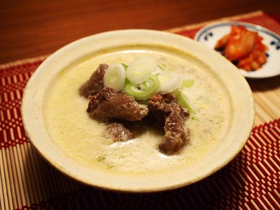 ソルロンタン(鶏ガラ・ダシダを利用)