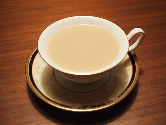 セイロン(ウバ)のミルクティー