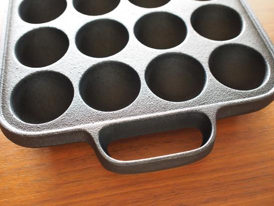 南部鉄器 たこ焼きプレート角型(穴径4.2cm)/南部盛栄堂・及源鋳造株式会社(OIGEN)